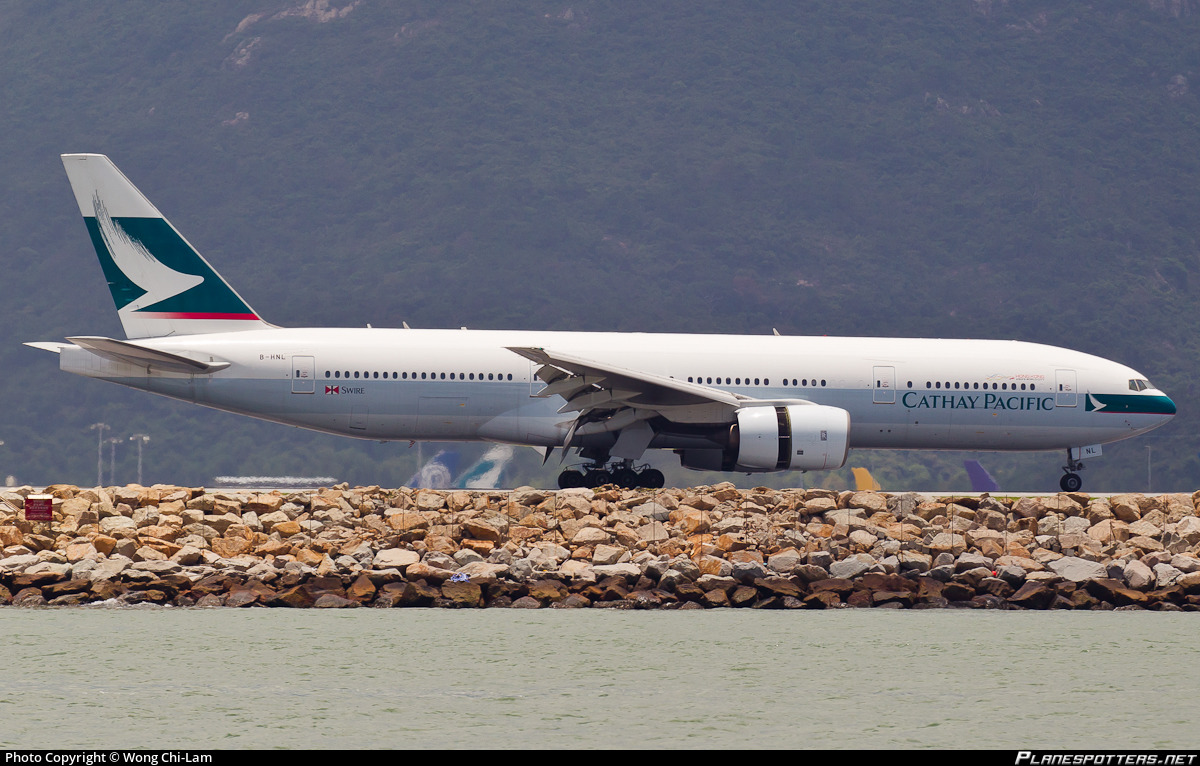 B Hnl Cathay Pacific Boeing 777 267