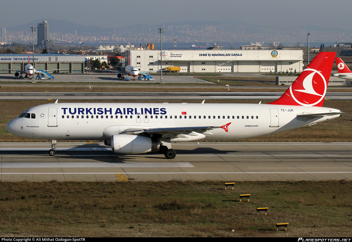 TC-JUK Turkish Airlines Airbus A320-232 photographed at Istanbul Ataturk (ISL / LTBA) by Ali Mithat Ozdogan-SpotTR