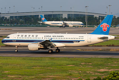 B-6782 4794 China Southern Airlines Airbus A320-214 Guangzhou Baiyun (CAN / ZGGG)