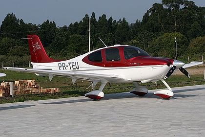 PR-TEU Private Cirrus SR22-GTS Porto Belo Condomínio Aeronáutico Costa Esmeralda (SDEN)
