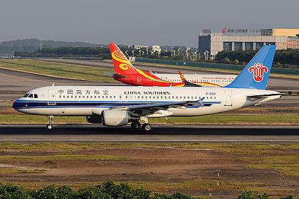 B-6681 4365 China Southern Airlines Airbus A320-214 Guangzhou Baiyun (CAN / ZGGG)
