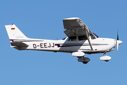 D-EEJJ 172-80813 Private Cessna 172R Skyhawk Hamburg Fuhlsbuettel (HAM / EDDH)