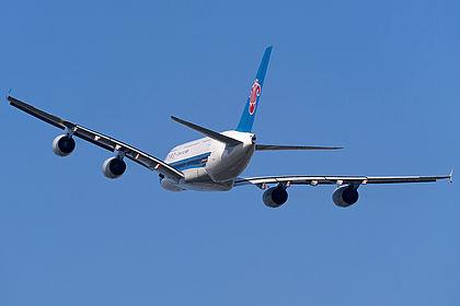 B-6138 054 China Southern Airlines Airbus A380-841 Guangzhou Baiyun (CAN / ZGGG)
