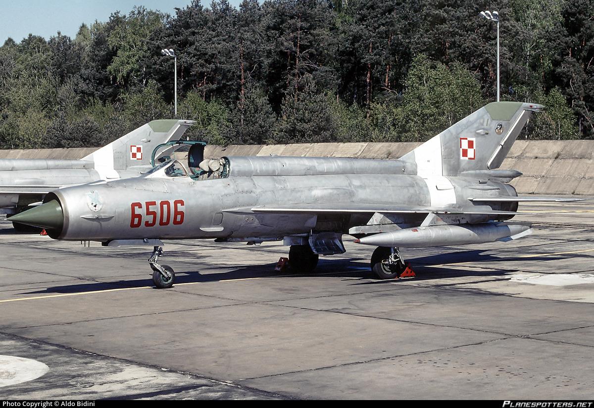 6506-polish-air-force-mikoyan-gurevich-m