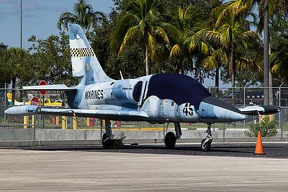 N999VN 533632 US Marines Aero L-39 Albatros Miami Opa Locka (OPF / KOPF)