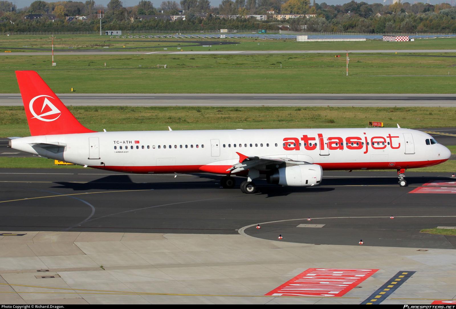 TC-ATH Atlasjet Airbus A321-231 photographed at Dusseldorf Rhein-Ruhr (DUS / EDDL) by Richard.Dragon.