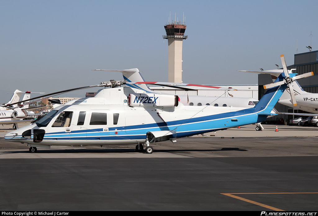 N72EX Island Express Holding Corporation Sikorsky S-76B photographed at Long Beach Daugherty Field (LGB / KLGB) by Michael J Carter