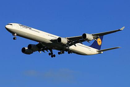 D-AIHU 848 Lufthansa Airbus A340-642 Shanghai Pudong (PVG / ZSPD)