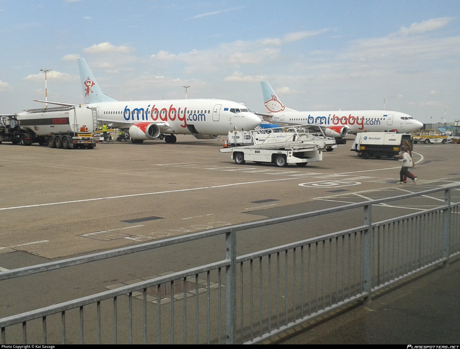 g-toyk-bmibaby-boeing-737-33r_Planespott