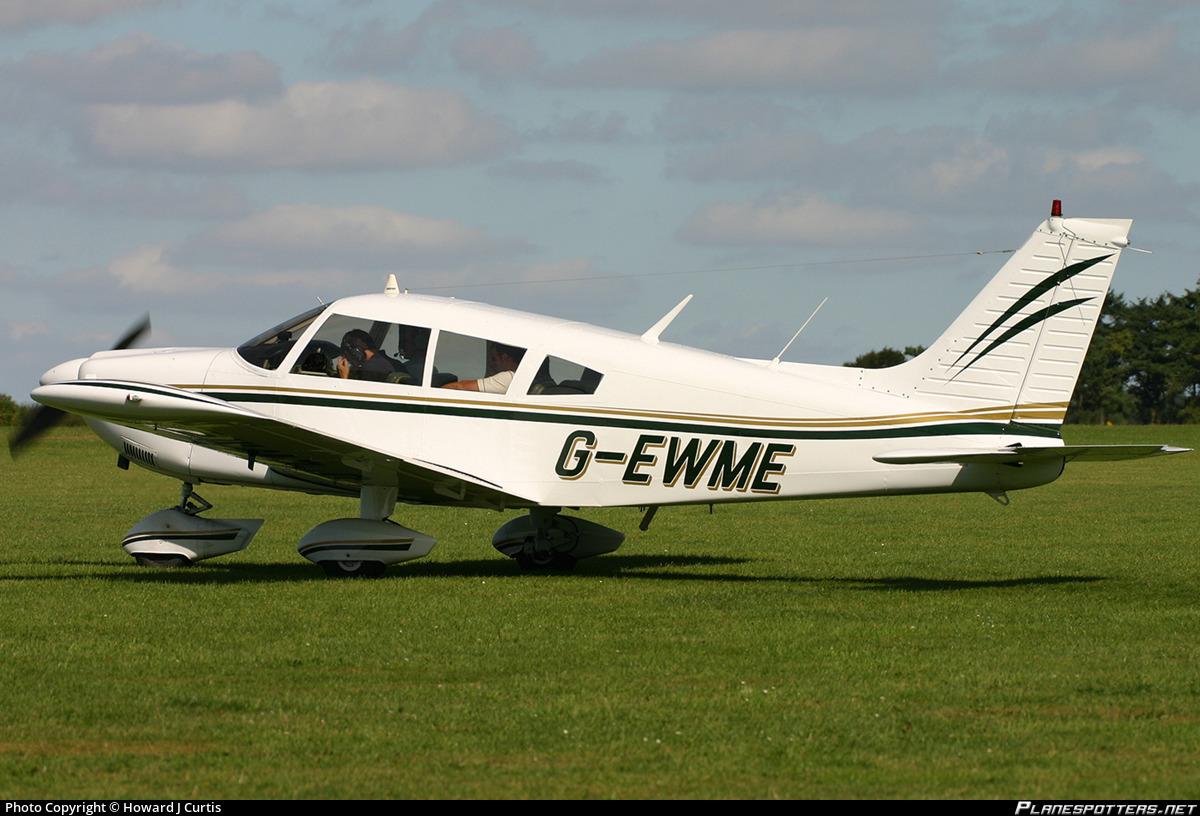 G-EWME Private Piper PA-28-235 Cherokee Photo by Howard J