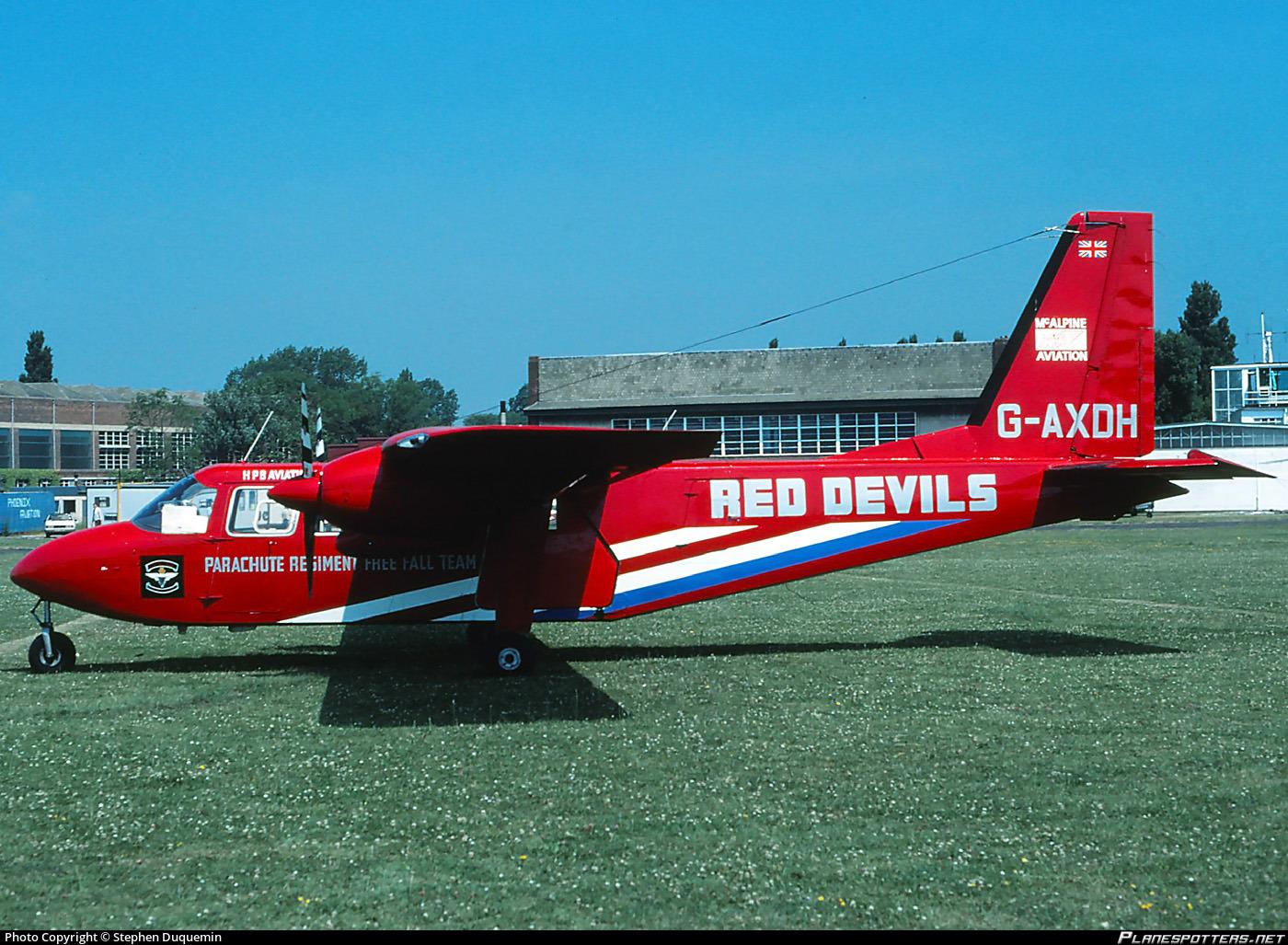 g-axdh-red-devils-parachute-display-team