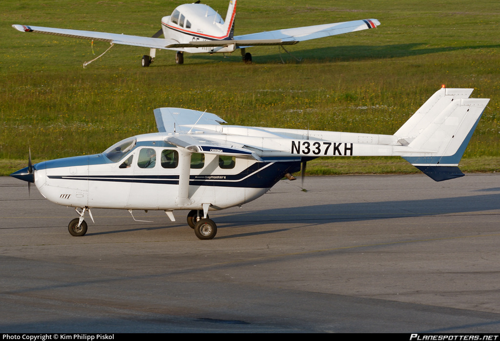 N337KH Private Reims FT337GP Super Skymaster Photo by Kim