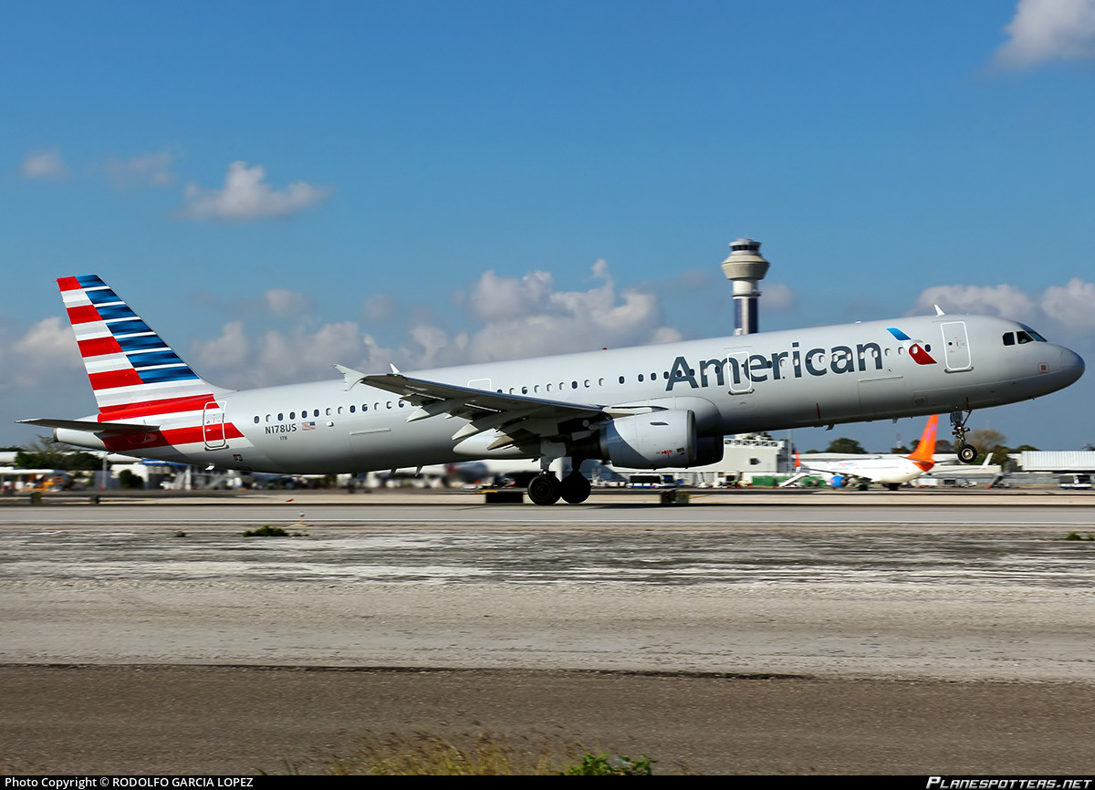N178us American Airlines Airbus A321 211 Photo By Rodolfo