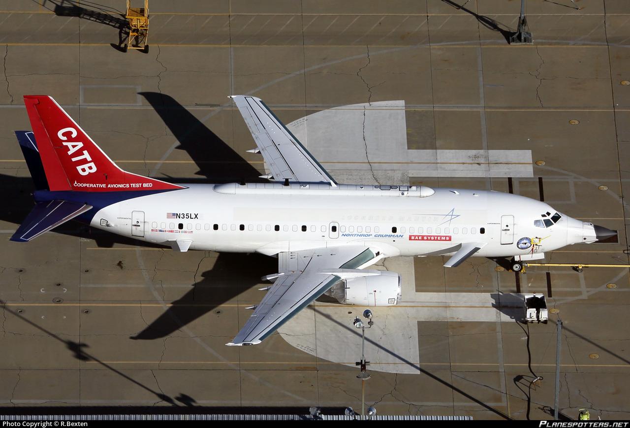 N35LX Lockheed Martin Aeronautics Boeing 737-330 photographed at Palmdale Regional / USAF Plant 42 (PMD / KPMD) by R.Bexten