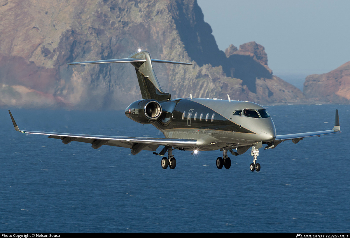 Challenger 2017 >> OE-HII Private Bombardier BD-100-1A10 Challenger 300 Photo by Nelson Sousa | ID 761925 ...