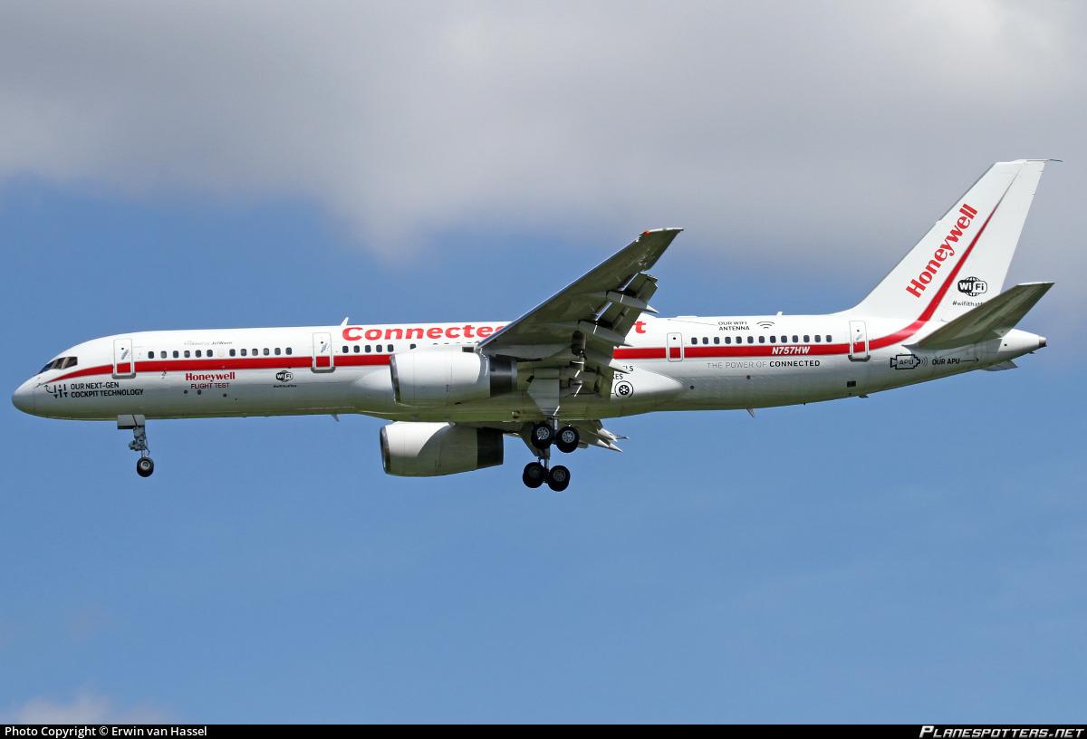 N757HW Honeywell International Boeing 757-225 Photo by Erwin