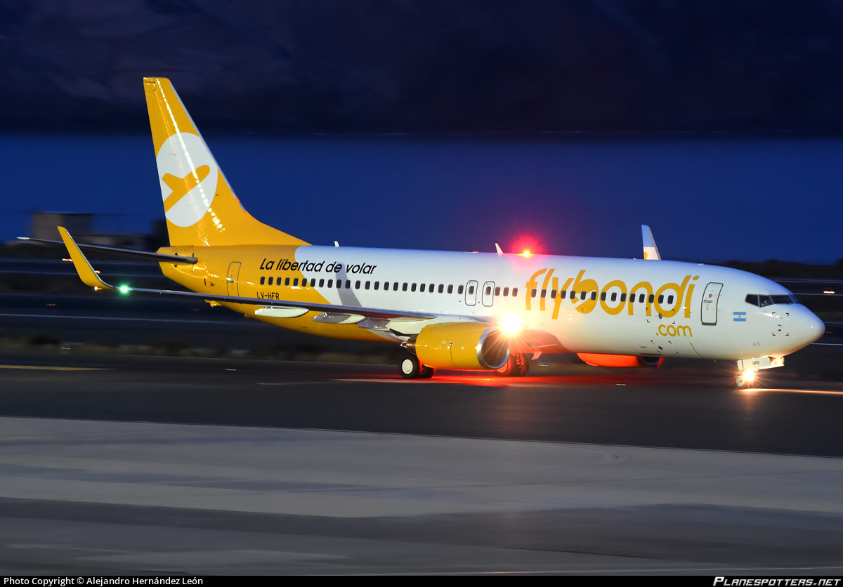 LV-HFR Flybondi Boeing 737-86J(WL) photographed at Gran Canaria Las Palmas (LPA / GCLP) by Alejandro Hernández León