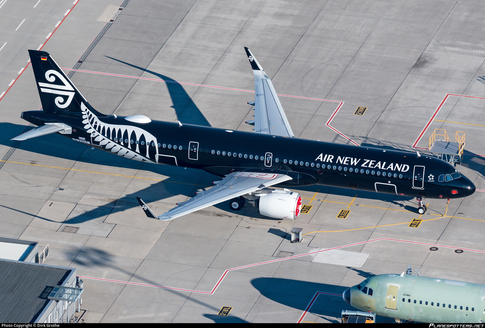 D-AZAX Air New Zealand Airbus A321-271NX photographed at Hamburg Finkenwerder (XFW / EDHI) by Dirk Grothe