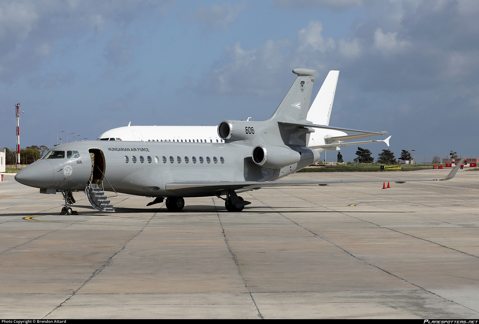 606 Hungarian Air Force Dassault Falcon 7X Photo by Brendon
