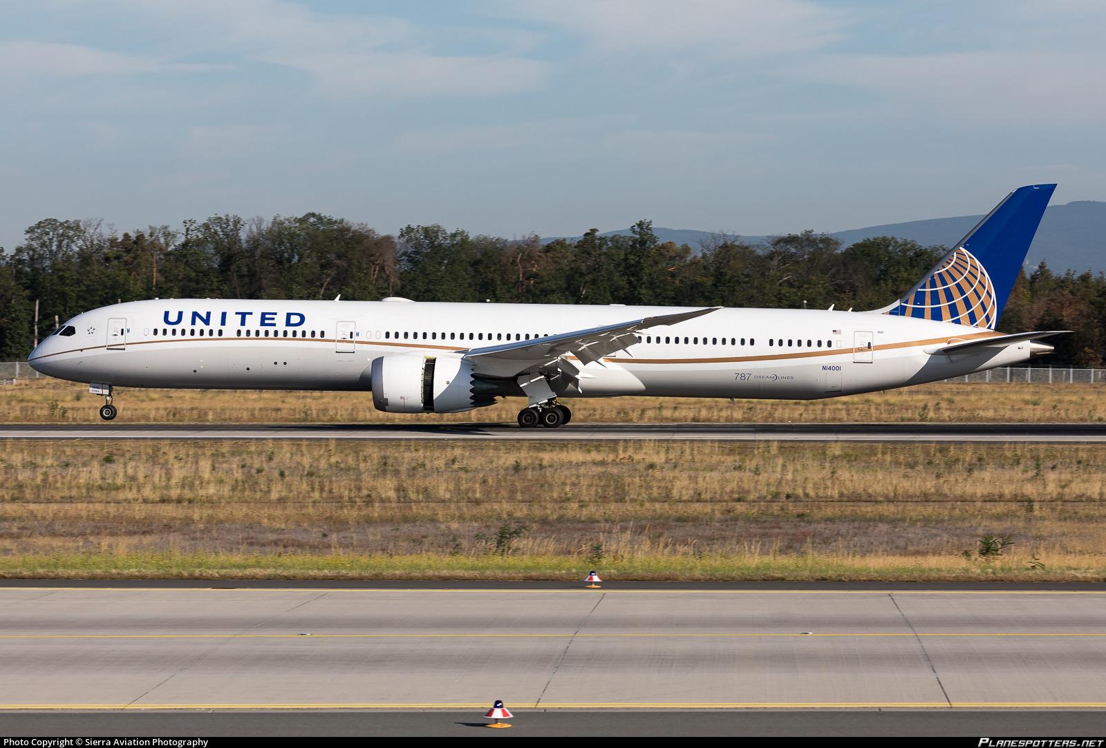 N14001 United Airlines Boeing 787-10 Dreamliner Photo by